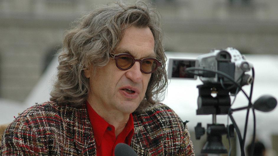 Wim Wenders na archivním snímku z roku 2006.