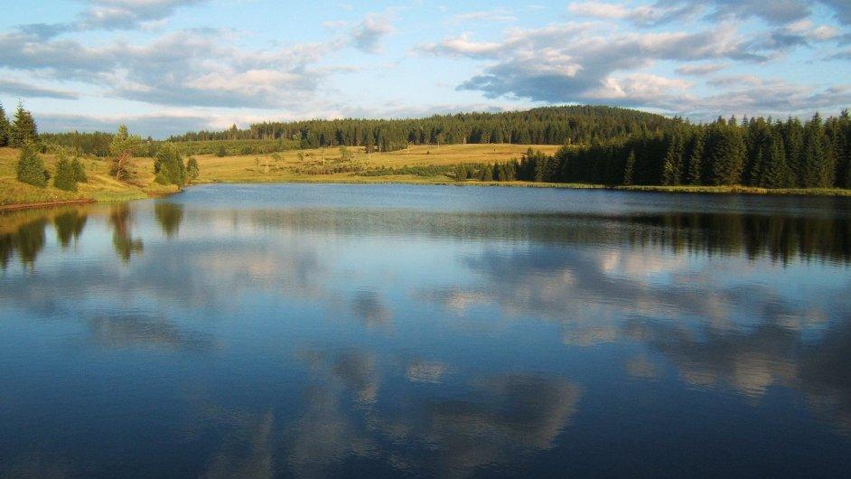 Krušné hory - vodní nádrž Myslivny
