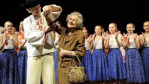 Markéta Kyliánová při oslavě stých narozenin.