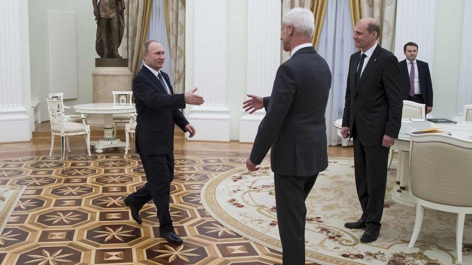 Vladimir Putin ve středu přijal Matthiase Müllera.