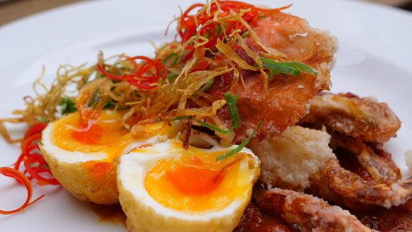 Máte chuť na něco exotického? Smažený krab s omáčkou podle odborníka na asijskou kuchyni
