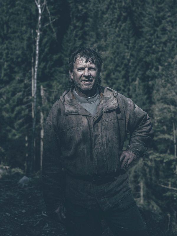 """Dřevorubec Lubomír Janas: """"Na horách se žilo dobře, ale teď mi je někdy až do breku."""""""
