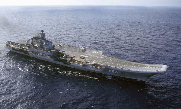 V Murmansku se potopil plovoucí dok, kde se opravovala jediná ruská letadlová loď Admirál Kuzněcov.