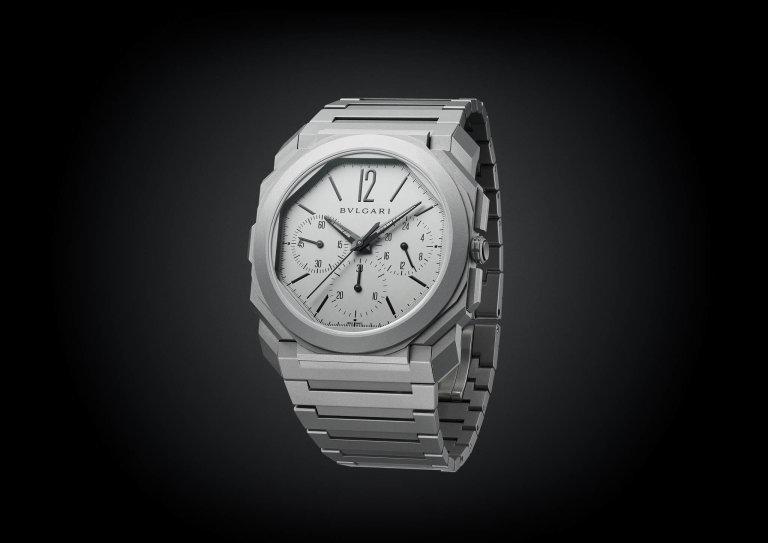 Bvlgari se snaží posouvat hranice vhodinářském světě, jako třeba unejtenčího mechanického chronografu Octo Finissimo Chronograph GMT Automatic.