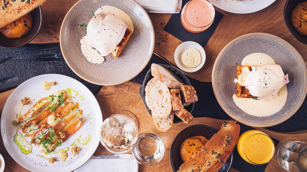 Vefrancouzské restauraci La Gare vedené šéfkuchařem Janem Kvasničkou si vyberete ze tří předkrmů, tří hlavních jídel atří dezertů.