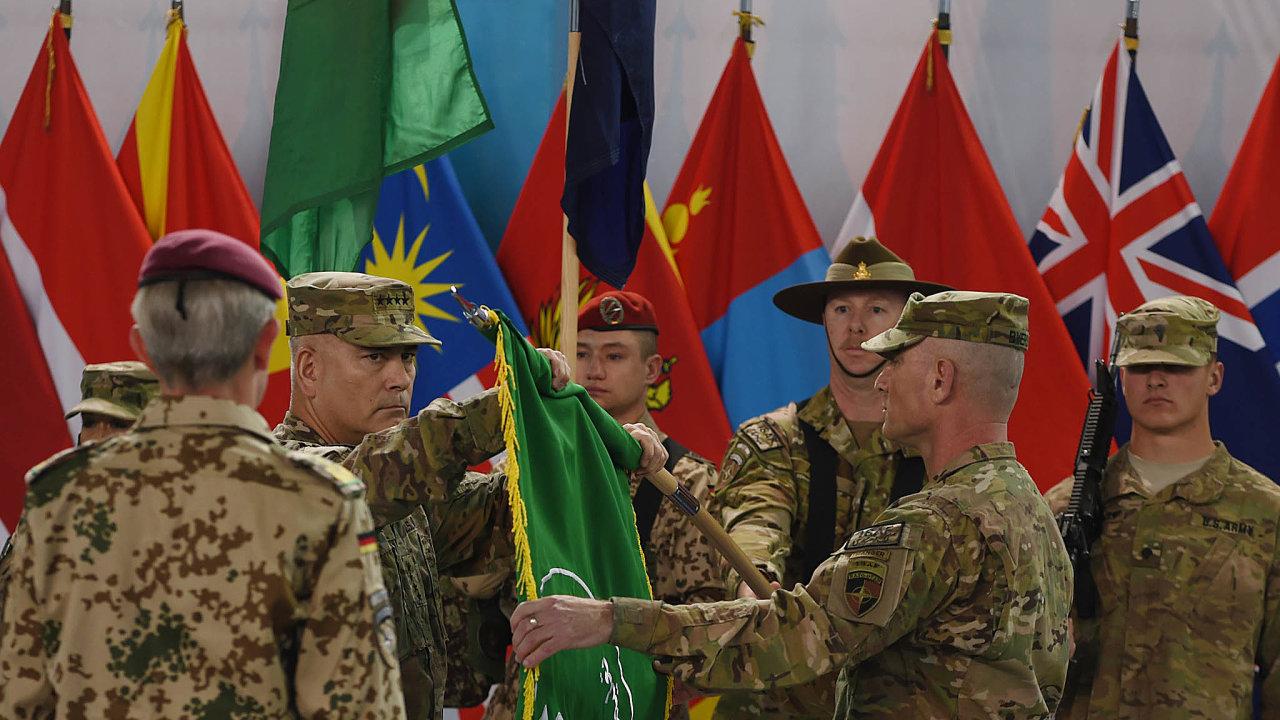 Tréninková mise. Smyslem operace NATO vAfghánistánu nazvané Resolute Support Mission, naníž se podílejí ičeští vojáci, je trénink, poradenství ajiná asistence domácím bezpečnostním jednotkám.