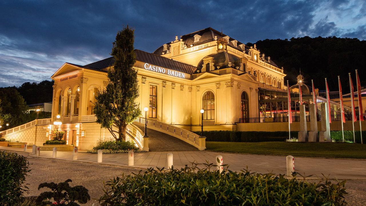 Casinos Austria v Rakousku provozuje 12 kasin, které ročně navštíví 2,6 milionu hostů. Jedno z nich je v Badenu. Pobočky má i v dalších 13 zemích a mimo jiné provozuje pět oceánských výletních lodí.