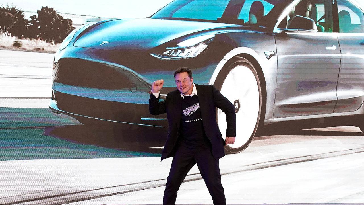 Říkejte mi technoking Tesly. Elon Musk získal nový manažerský titul.