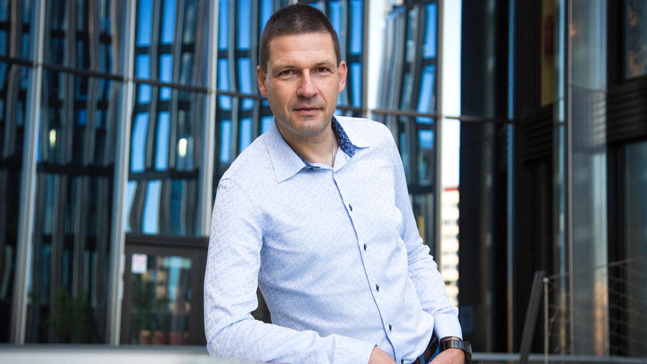 Bohatý manažer: Prodej firmy net.pointers dorukou fondu Thein udělal zjejího majitele Martina Půlpána (nasnímku) multimilionáře. Navíc při něm získal ibalík akcií Theinu.