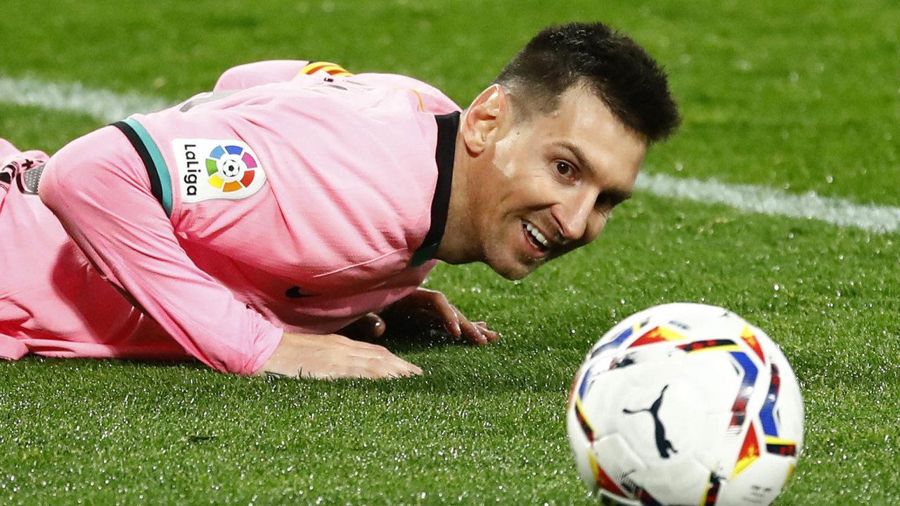 Lionel Messi, jeden znejlepších fotbalistů historie, si vBarceloně přijde ročně navíce než dvě miliardy korun.