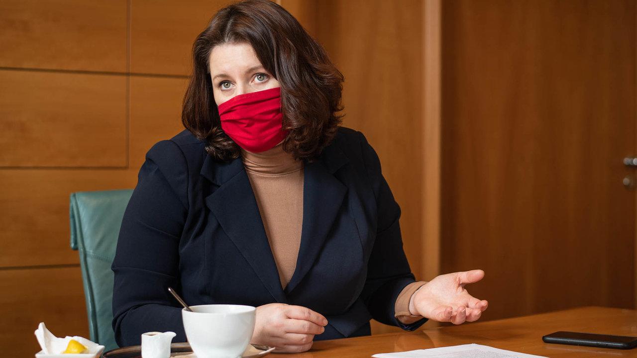 První pravidla kurzarbeitu představila ministryně práce Jana Maláčová už loni v létě. Ve sněmovně se však pravidla několikrát změnila.