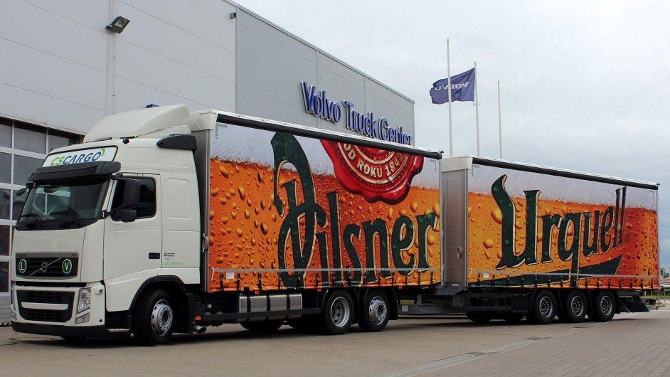 Společnost C. S. Cargo převzala od Volvo Trucks 20 nových vozidel, která budou zajišťovat primární distribuci pro Plzeňský prazdroj