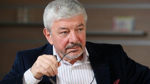 Vladim�r �elezn� definitivn� skon�il ve v�ech funkc�ch na TV Barrandov.