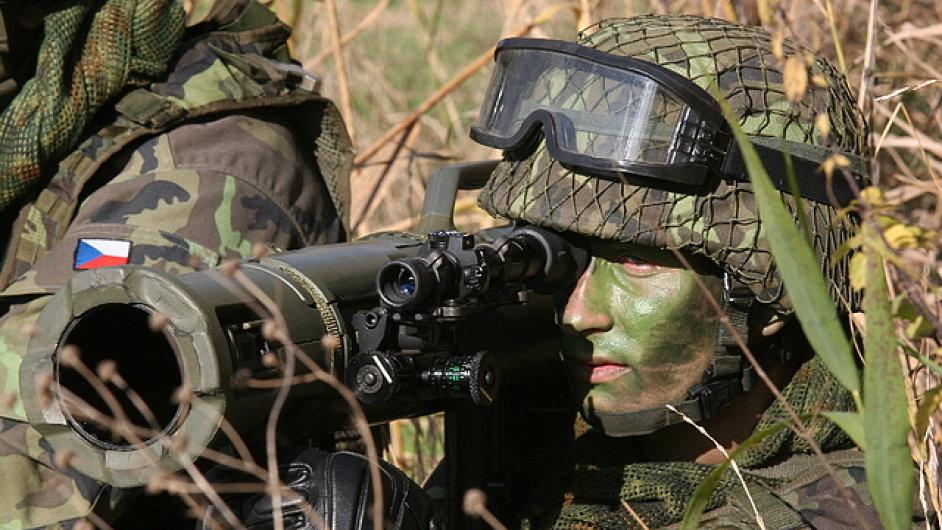 Protitanková zbraň Karl Gustav, kterou používá česká armáda.