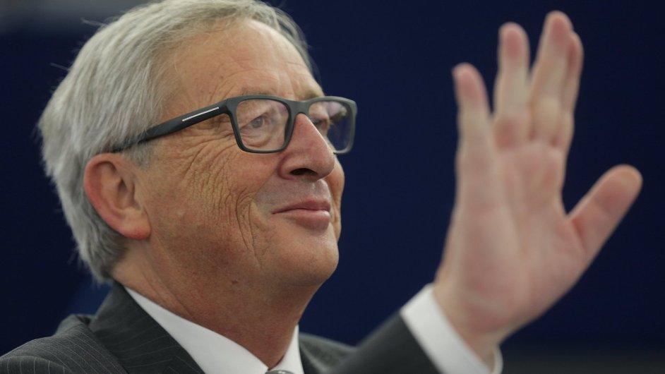 Jean-Claude Juncker upozornil na schůzce ve Štrasburku, že by se měli běženci registrovat, aby jim byla zajištěna práva.