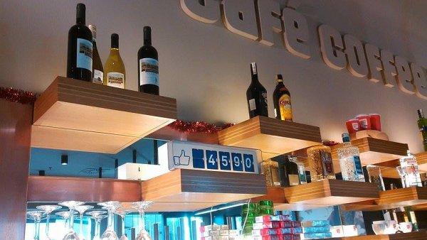 V kavárnách Café Coffee Day se objevilo počítadlo lajků