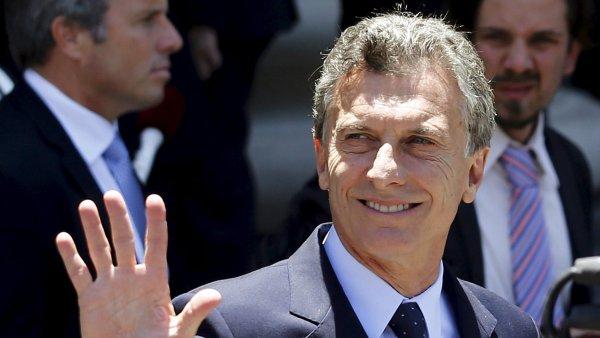 Mauricio Macri je za posledn�ch v�ce ne� deset let prvn�m prezidentem Argentiny, kter� p�ijede do Davosu.