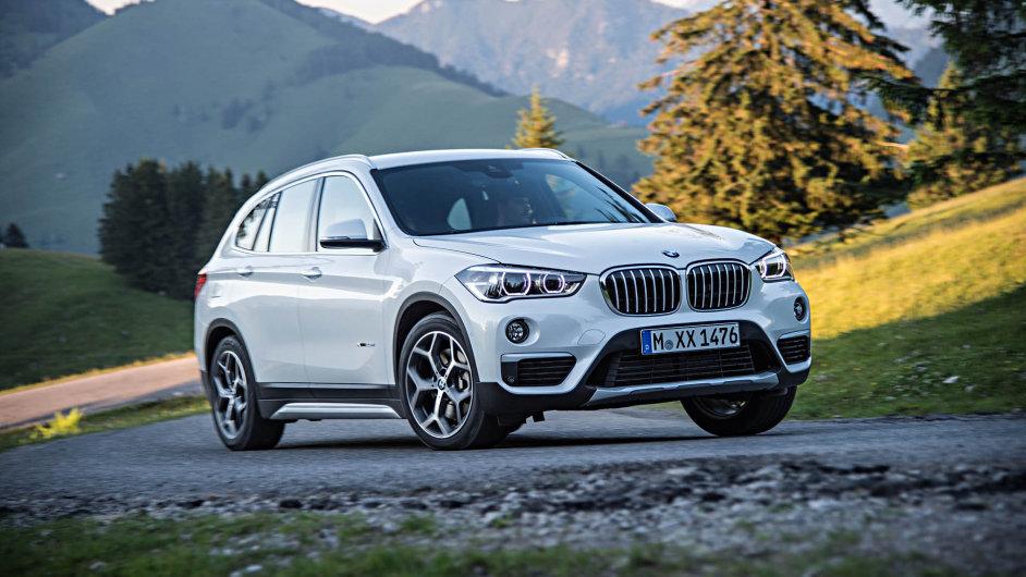 Nové BMW X1 vypadá podstatně lépe než jeho předchůdce. Vzhledem se hodně přibližuje větším sourozencům X3 a X5.
