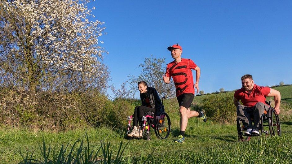 Ultramaratonec René Kujan v rámci projektu Cesty na vrchol přeběhl sedm českých pohoří, aby podpořil vozíčkáře.