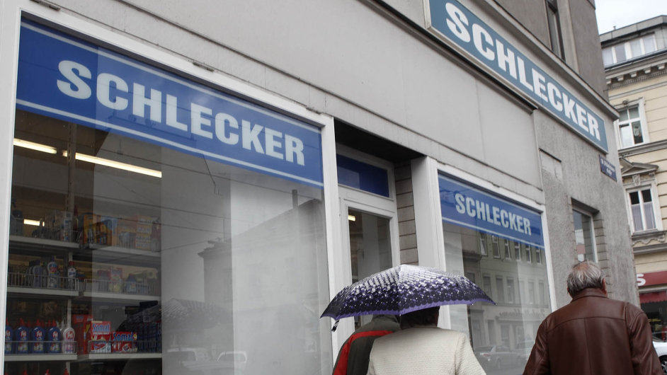 Vzestup apád impéria: Německý Schlecker byl před 10 lety největší drogistický řetězec vcelé Evropě. Vlednu 2012 skončil.