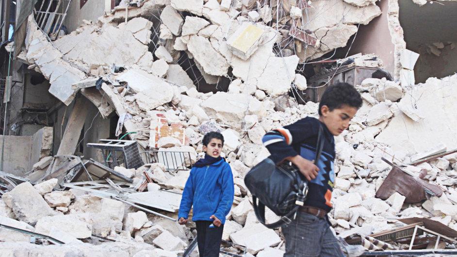 Práva na film Cries from Syria koupilo HBO, odvysílá jej 13. března.