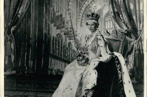 Alžběta II. oslavila safírové výročí. Británii vládne už 65 let