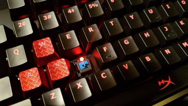 Mechanická klávesnice HyperX Alloy FPS