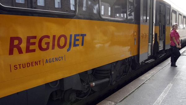 Nasadil levné jízdné. RegioJet argumentuje tím, že aby získal cestující, musel se nízkým cenám Českých drah přizpůsobit.