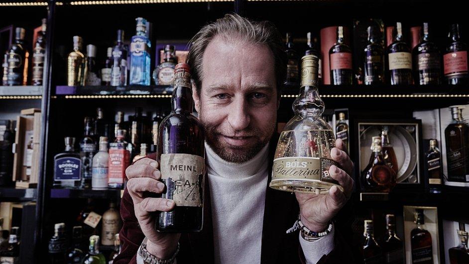 Michael Tretter ve své prodejně Tretter's Spirit Shop