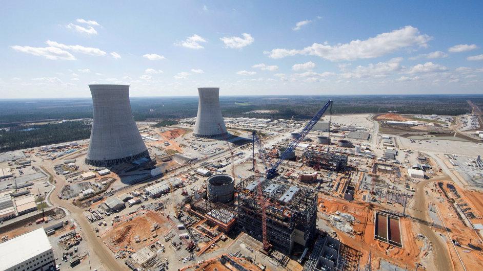 Firmu Westinghouse táhnou dolů náklady kvůli překročení rozpočtu dvou jaderných elektráren v USA.