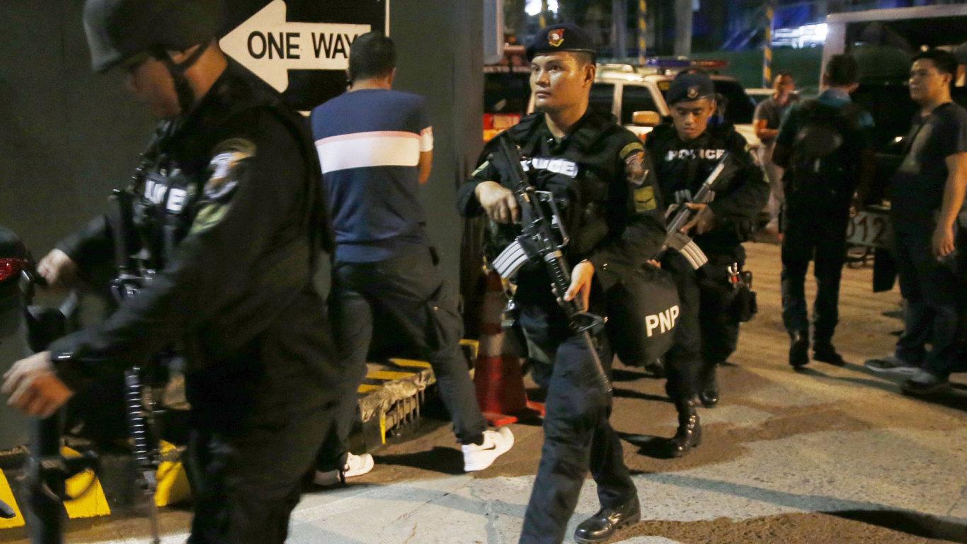 V manilském kasinu zemřelo nejméně 34 lidí, útočník je mrtev