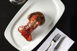 Dva světy na jednom talíři: Připravte si humra se steakem v duchu módních kombinací surf & turf