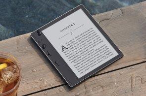 Nová čtečka Kindle Oasis se blíží k ideálu. Můžete s ní jít i plavat a přehraje audioknížky