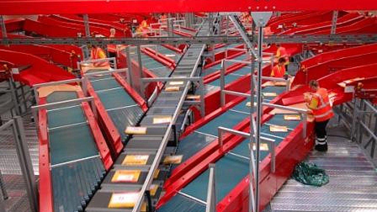 Nová třídicí linka DHL Express v Lipsku dokáže zpracovávat i objemnější zásilky do 170 kilogramů