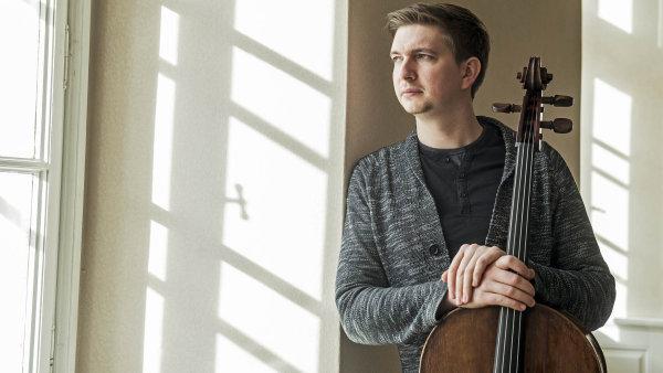 Objednat koncert jako taxi: Violoncellista Jamník rozhýbal síť, která lidem zprostředkovává koncerty vážné hudby v domácím prostředí