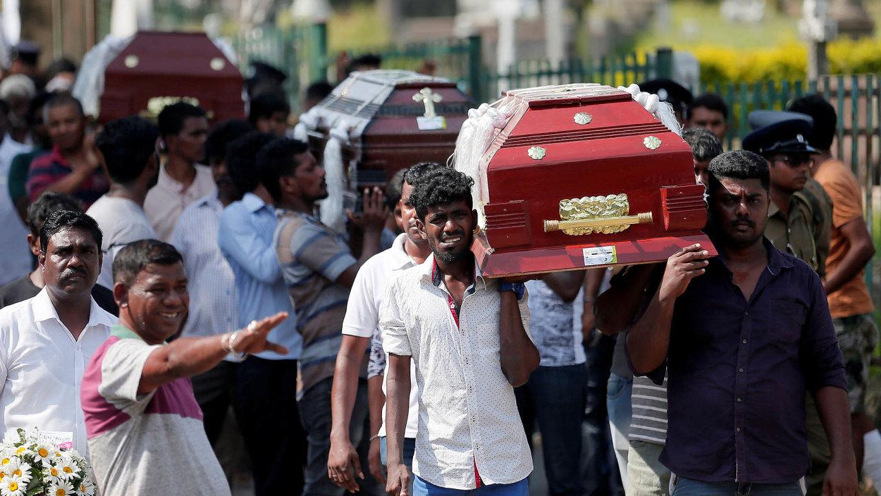 Oběti na Srí Lance: Útoky vmetropoli Kolombu anadalších místech Srí Lanky spáchali převážně sebevražední atentátníci. Vyžádaly sinejméně 253 mrtvých aasi500 zraněných.