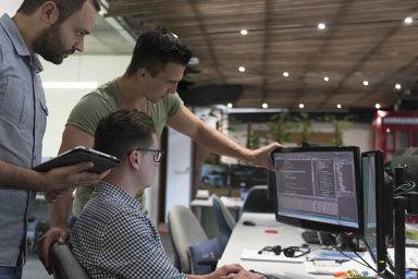 Programátor, IT specialista, ilustrační foto