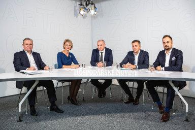 Debaty se zúčastnili (zleva) Jiří Hrbáček (Wood & Co.), Dita Kaňová (ZFP Group), Roman Latuske (ZDR Investments) aOndrej Spodniak (Premiot Group). Moderoval Marek Miller (uprostřed).