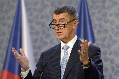Je zcela absurdní, že Brusel vykládá český zákon, navíc úplně nesmyslně, když zákon 'lex Babiš' byl namířen pouze proti mně s cílem vyštvat mě z politiky, uvedl dříve Andrej Babiš.