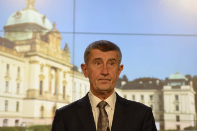 Že je premiér Andrej Babiš skoro dva roky vestřetu zájmů, potvrdila auditní zpráva Evropské komise.