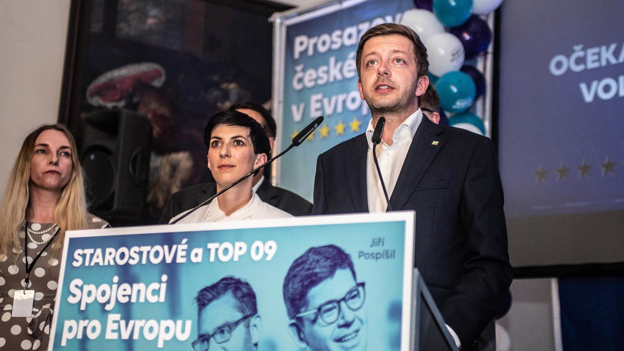 Pro TOP 09 a STAN se stal rozbuškou průzkum, který CVVM zveřejnilo před loňskými volbami doEvropského parlamentu. CVVM se v případě jejich koalice