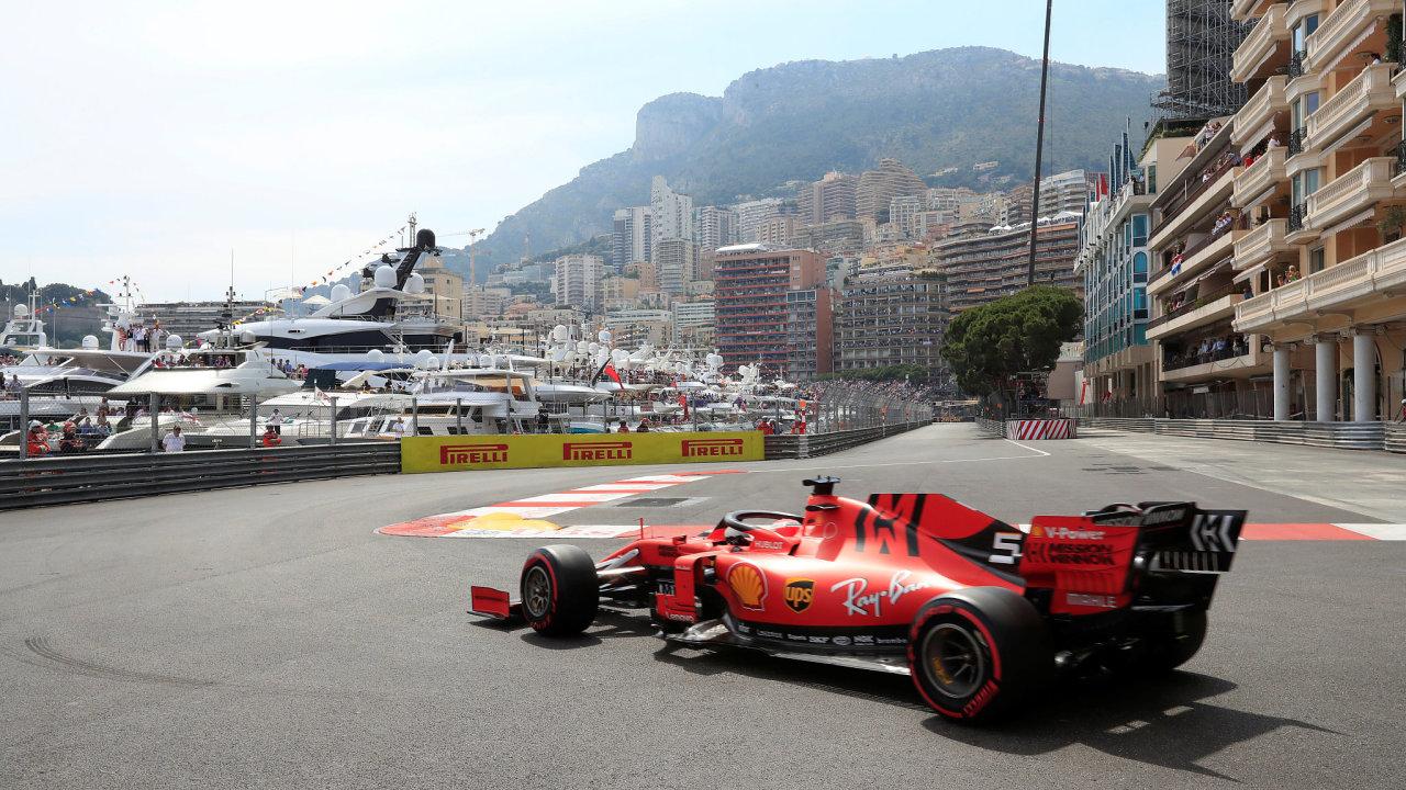 Včera se měla jet Velká cena Monaka formule 1.