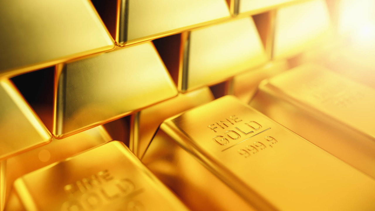 Zarůstem ceny zlata stojí zejména situace kolem nových nákaz koronaviru vUSA anové kolo obchodních válek prezidenta Donalda Trumpa sČínou.