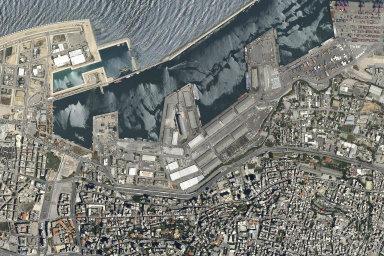 Libanon přišel o své ekonomické plíce. Macron chce koordinovat zahraniční pomoc