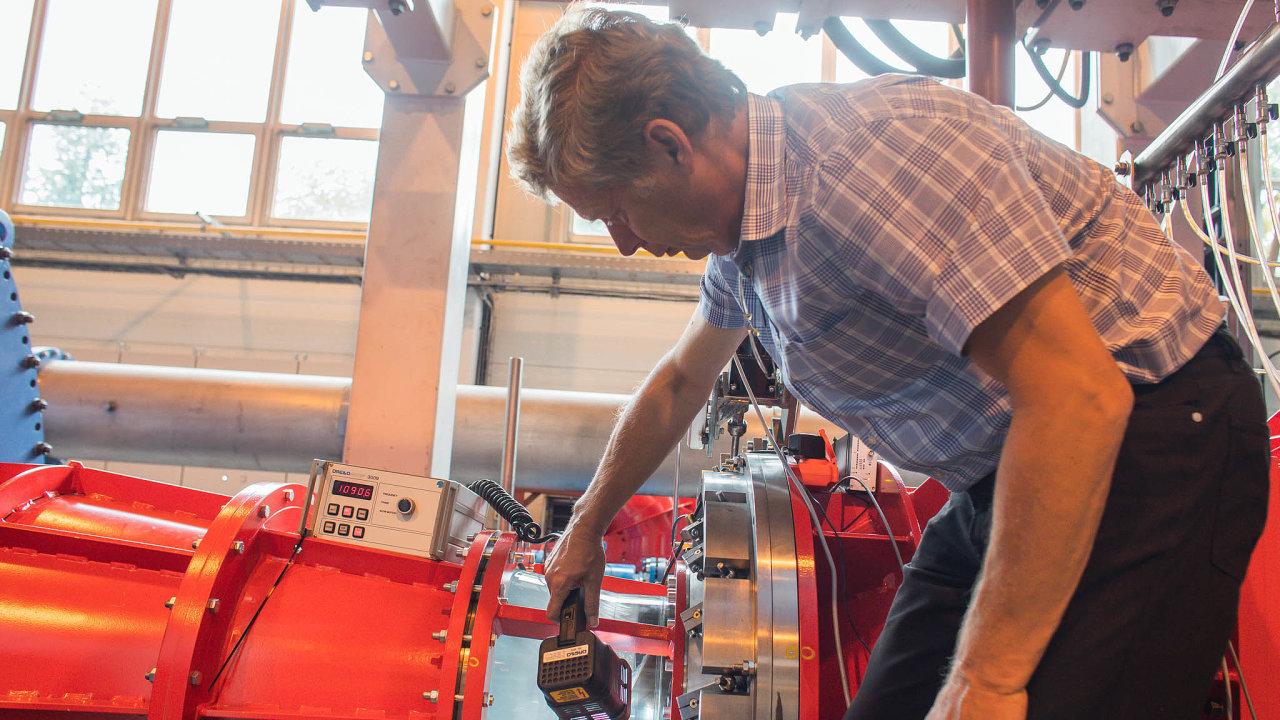 Testovací centrum. Modely nových turbín testuje Litostroj vespeciální laboratoři vBlansku. Nasnímku je zmenšený model turbíny pro slovinskou elektrárnu Mokrice.