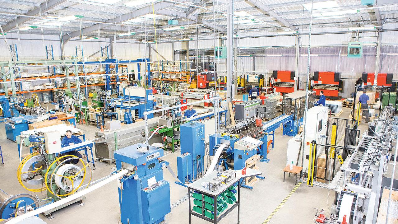 Zařízení internetu věcí rychle přibývají také ve firmách s postupující automatizací výroby.