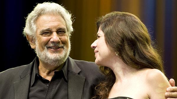 Domingo s Martínezovou na pódiu tančili a prodloužili večer o šest přídavků