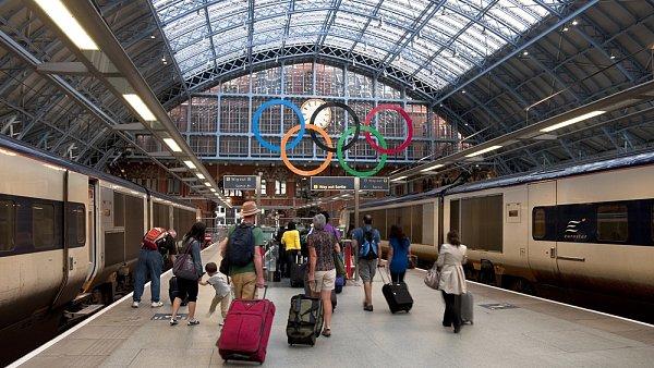 Zůstanou-li turisté doma, mohla by Británie přijít až o 600 milionů liber.