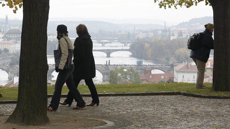 Pohled na Prahu z areálu Kramářovy vily
