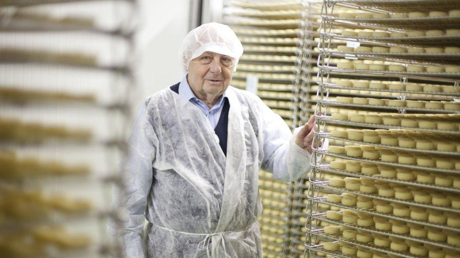 Že nikdo z rodiny už výrobě sýrů nerozuměl, se nakonec ukázalo jako ohromná výhoda, říká spolumajitel loštické tvarůžkárny Jaroslav Kovář.